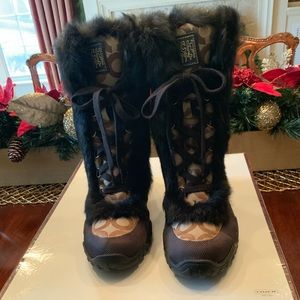 COACH LOGO JENNIE BOOT Logo with fur NEW